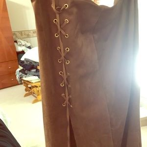 Brown skirt with side lace